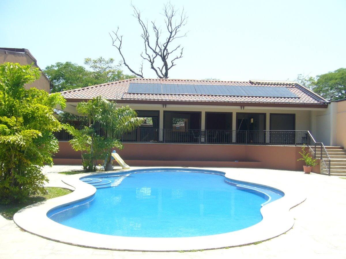 climatizacion-piscina-solar-inclinado-granada-2019