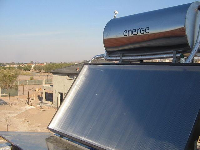 cuantos-paneles-solares-termicos-necesito-para-una-casa