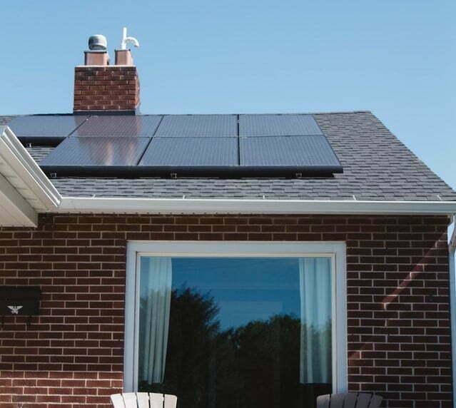 cuantas-placas-solares-necesito-para-ser-autosuficiente