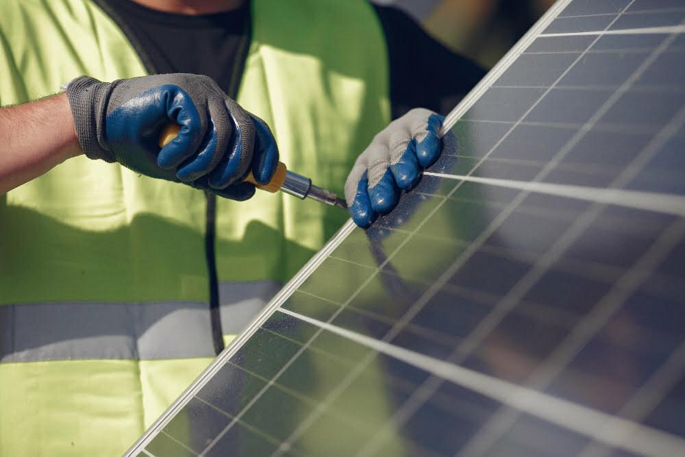 instalacion-placas-solares-con-baterias